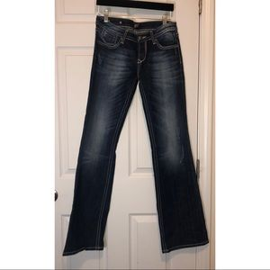 Red rock for express jeans